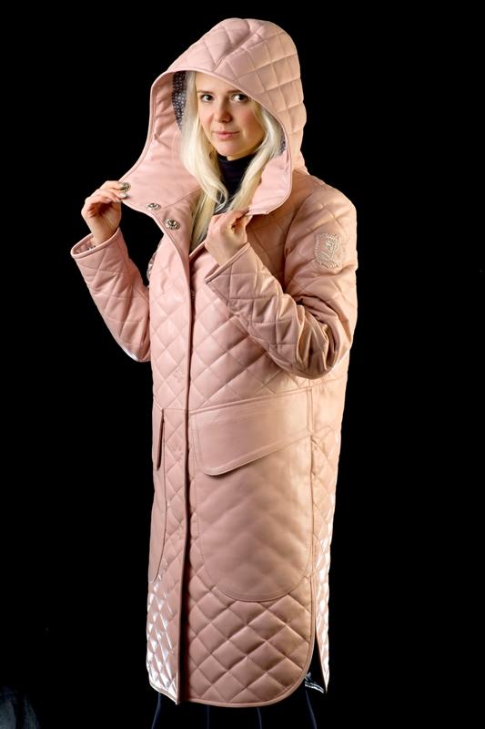 Кожаное розовое пальто
