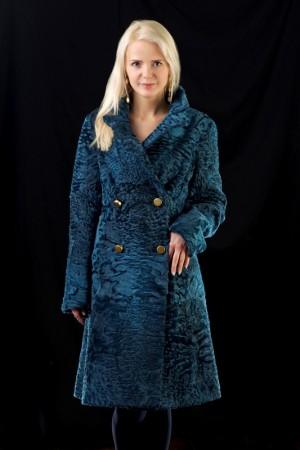 Пальто цвета лазурь из каракуля